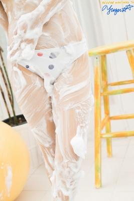 Yuzu Shirasaki Swimsuit Gravure Beautiful girl in bubble shower White swimsuit White bikini013