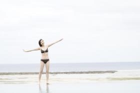 Akari Uemura Swimsuit Gravure Hello Project Brown swimsuit Brown bikini Beach004