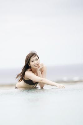 Akari Uemura Swimsuit Gravure Hello Project Brown swimsuit Brown bikini Beach006