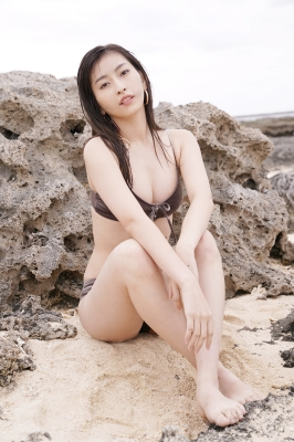 Akari Uemura Swimsuit Gravure Hello Project Brown swimsuit Brown bikini Beach019