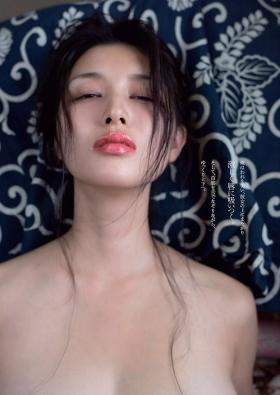 Manami Hashimoto Swimsuit Gravure Cuddle up to me031