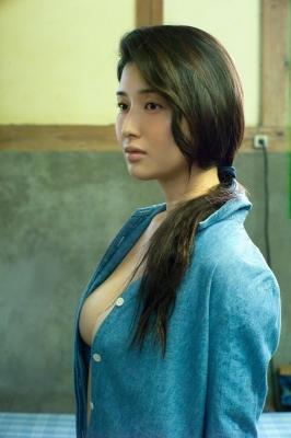 Manami Hashimoto Swimsuit Gravure Cuddle up to me038