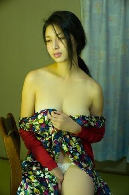 Manami Hashimoto Swimsuit Gravure Cuddle up to me037
