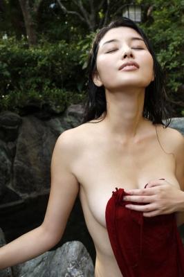 Manami Hashimoto Swimsuit Gravure Cuddle up to me046