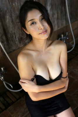 Manami Hashimoto Swimsuit Gravure Cuddle up to me048