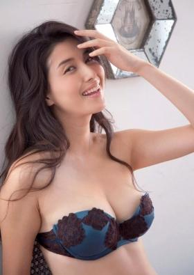 Manami Hashimoto Swimsuit Gravure Cuddle up to me056
