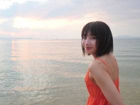Akane Sakanoue swimsuit gravure 1ST photo book Akane Iro on sale 2021007