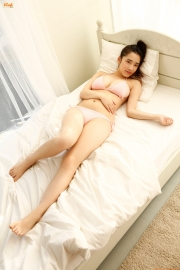 Ive been looking for a girl for a long timeOne day a girl became a woman who looked good in straightforwardgravure009