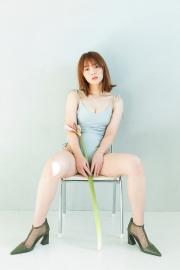 Misaki Kanbe swimsuit gravure Model beauty activein many TV programs 2021001