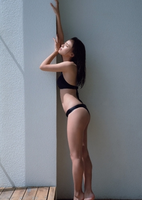 Yume Shinjo swimsuit gravure Cool charm in black bikini 2021008