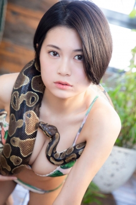 RaMu swimsuit gravure My favorite reptile and gravure together 2021003