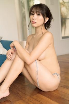 Tomomi Morisaki swimsuit gravure Japans mosterotic body unveiled 2021033