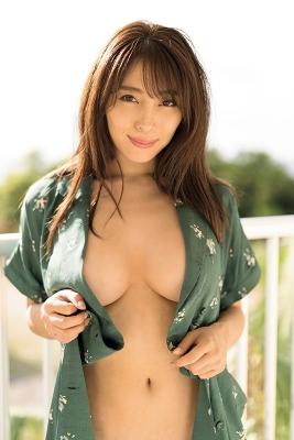 Tomomi Morisaki swimsuit gravure Japans mosterotic body unveiled 2021035