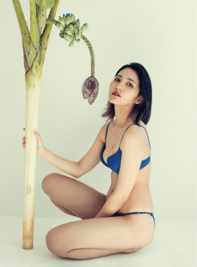Natsume Madoka swimsuit gravure thousand purple and red 2021004