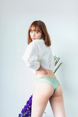 Misaki Kambe Swimsuit Gravure Featured Idol 2021003