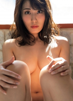 Tomomi Kaneko the overly erotic older sister knownas the 18Grandpa has pushed the envelope004