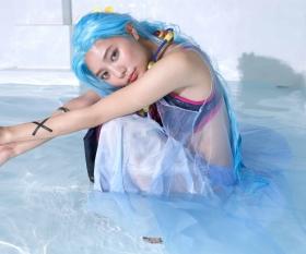 Asuka Kawazu swimsuit gravure ONE PIECE cosplay Bibi and Rebecca m010