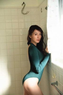 Yukari Oshima Swimsuit Bikini Gravure Former Fuji TV Announcer 2021008