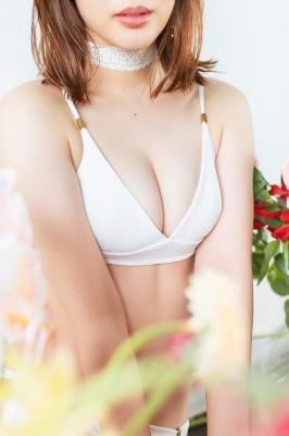 Misaki Kanbe swimsuit bikini gravure sexy 2021003
