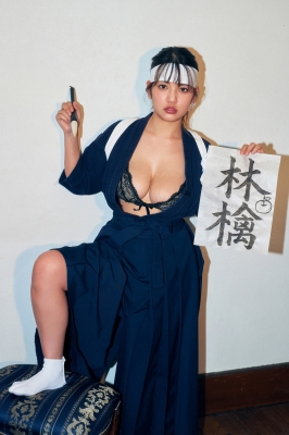 Aoi Fujino Calligraphy in a swimsuit 2021002
