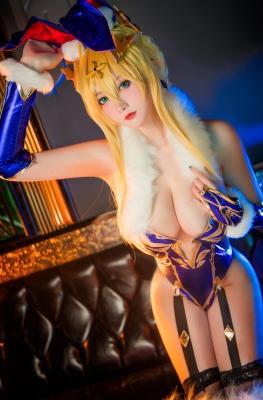 Cosplay Bunny Girl Saber Artoria Pendragon010