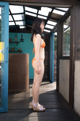 Sarina Kashiwagi Swimsuit Gravure Orange Bikini Vol2035