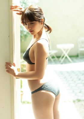 Nanna Owada Swimsuit Bikini Gravure You, like the sun, shine on us today 2021009