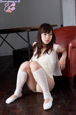 Natsuna Yuki School swimsuit gravure008