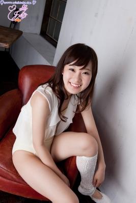 Natsuna Yuki School swimsuit gravure016