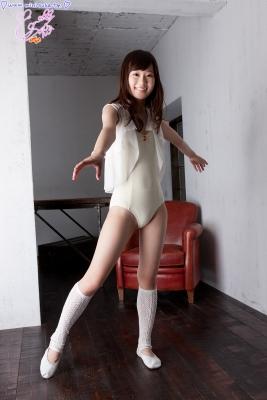 Natsuna Yuki School swimsuit gravure022