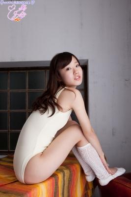 Natsuna Yuki School swimsuit gravure051