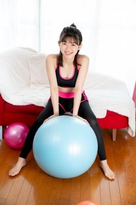 Risa Sawamura Training Wear Balance Ball011