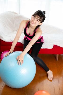 Risa Sawamura Training Wear Balance Ball012