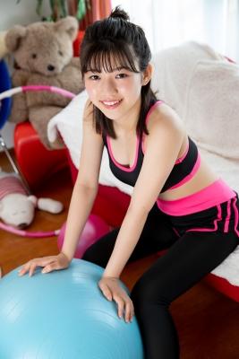 Risa Sawamura Training Wear Balance Ball016