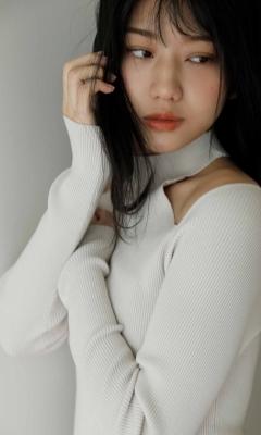 Mayumi Shiraishis first swimsuit gravure promising upandcoming actress 2021012