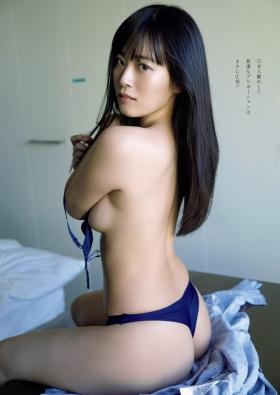 Ummi Shinonome swimsuit bikini gravure Two-faced grador Newtype 2021003