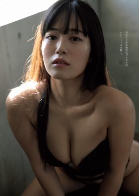 Ummi Shinonome swimsuit bikini gravure Two-faced grador Newtype 2021006