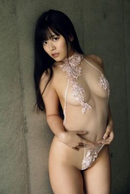 Ummi Shinonome swimsuit bikini gravure Two-faced grador Newtype 2021007