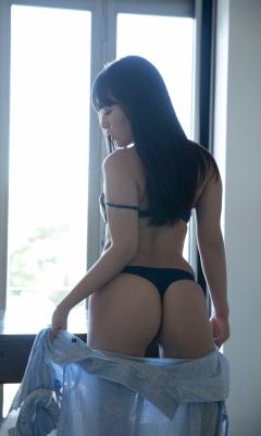 Ummi Shinonome swimsuit bikini gravure Two-faced grador Newtype 2021010