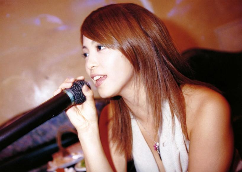 Iwasa_Mayuko_(04_Natsu)_043-044.jpg