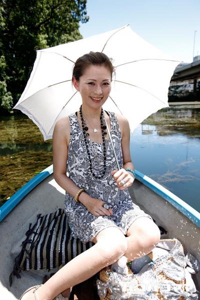 赤坂エレナ 20-08-05 暑い夏の日の野外露出 1