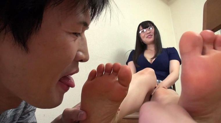 美女の足裏をふやけるまで舐めたい! 羽田 希の脚フェチDVD画像1