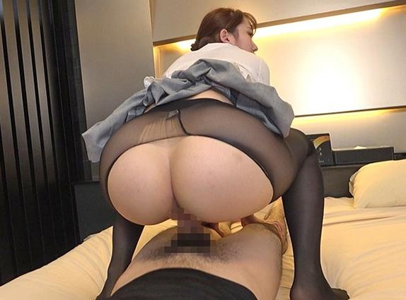女子校生の制服にパンストを穿いた美少女が足コキや着衣SEXの脚フェチDVD画像6