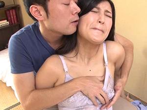 【並木塔子】昼間からオナニー狂いで性欲MAX熟女が娘の夫を受け入れてしまう…