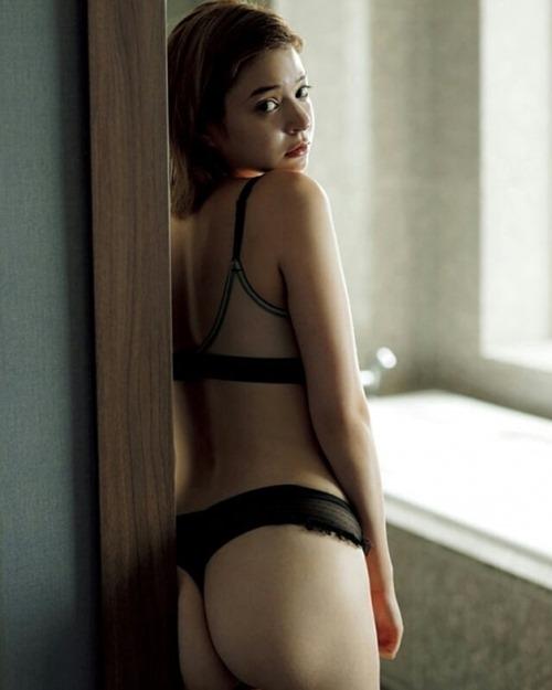 瑛茉ジャスミン 15