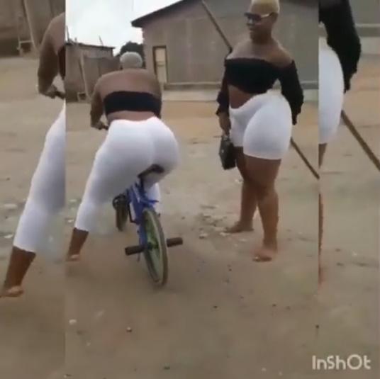 ぴちぴちパンツ姿の豊満下半身黒人女が小さい自転車にまたがる!