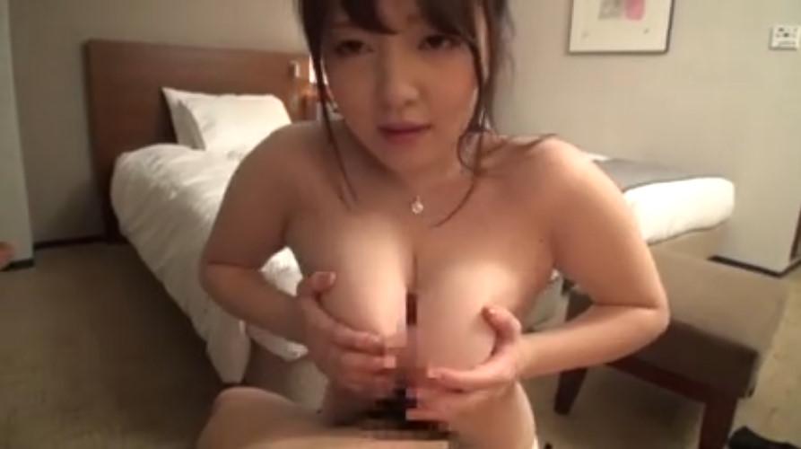 【素人近親相姦】水着の素人の近親相姦素股中出しプレイ動画!!