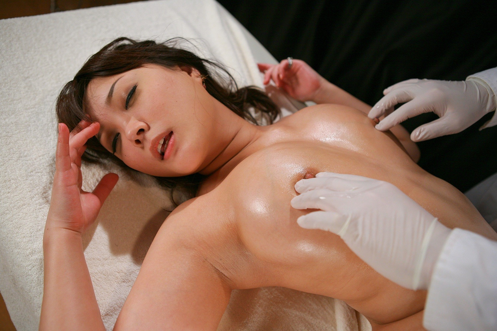 美乳がヌルヌル 44