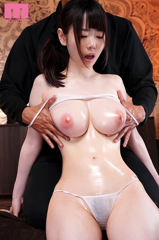 美乳がヌルヌル 31