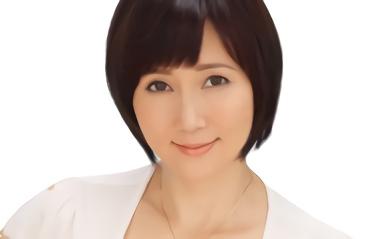 【赤坂ルナ】美熟女(人妻)の未亡人の叔母が若い男のチンポを求める濃密セックス!